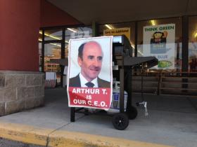 A sign supporting Arthur T. outside a Market Basket in Concord, NH
