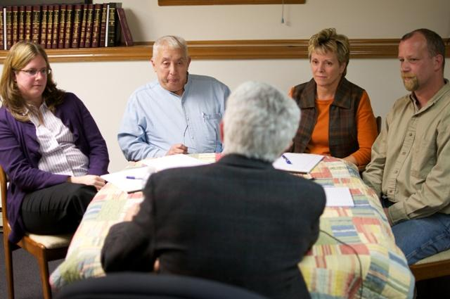 Jon Greenberg sits down with a group of republican voters in Dover, NH.