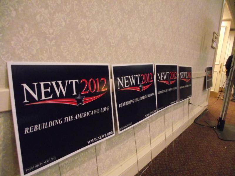 Newt Signs at the Radisson Hotel Ballroom