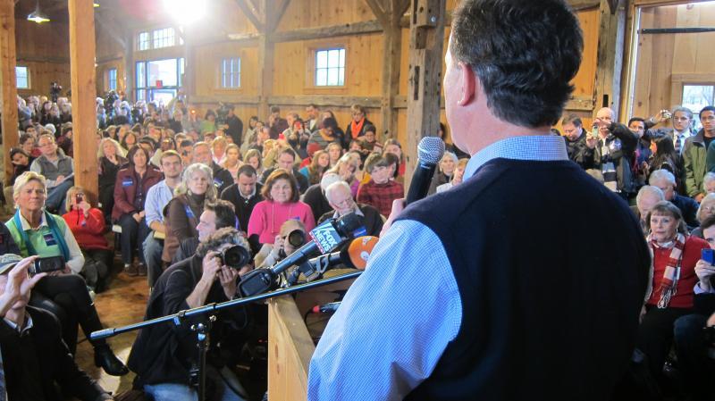 Santorum speaks to crowd in Hollis