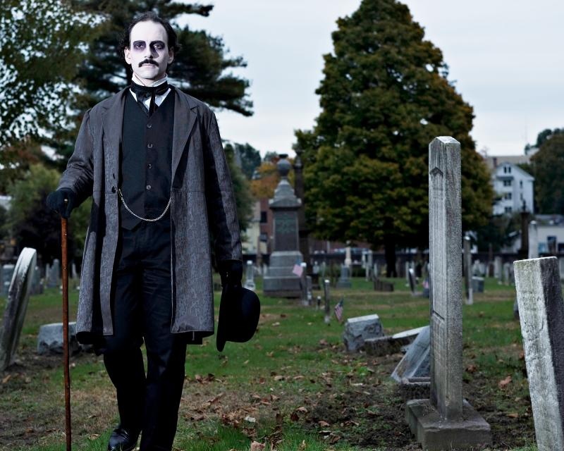 Campbell Harmon as Poe. 