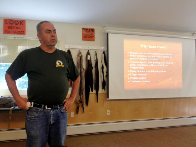 Pete Lester begins the Crow Hunting seminar