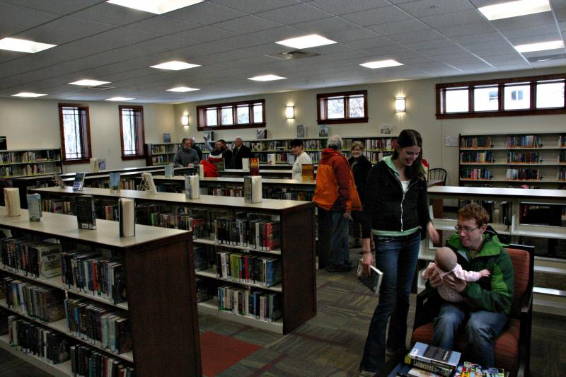 The new library has 5,000 square feet. Photo by Chris Jensen for NHPR