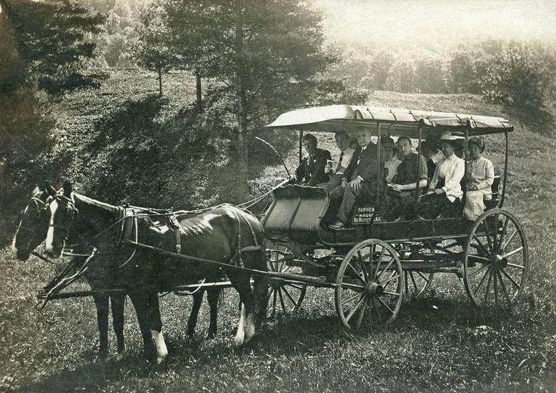 Stagecoach heading from the Fairview Hotel in N. Woodstock to the Whites