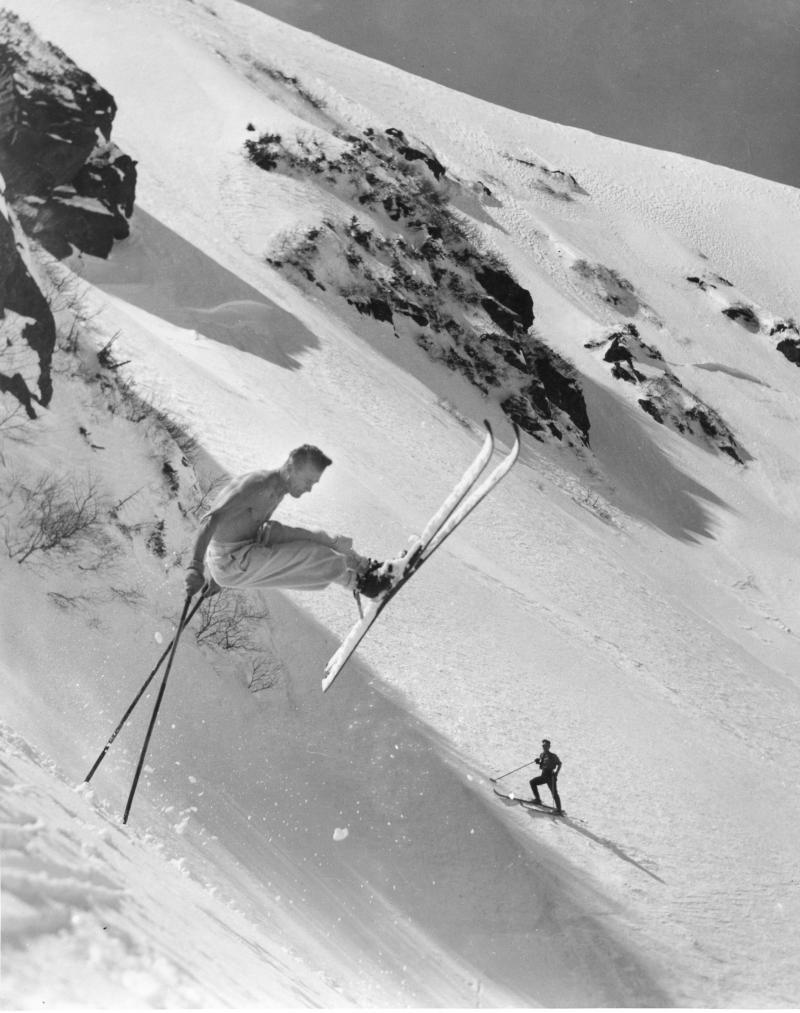 Sig Buchmayr making a jump turn in lower Left Gully early 1930s.