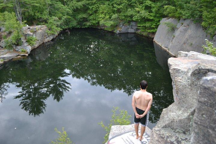 A complete view of the quarry.