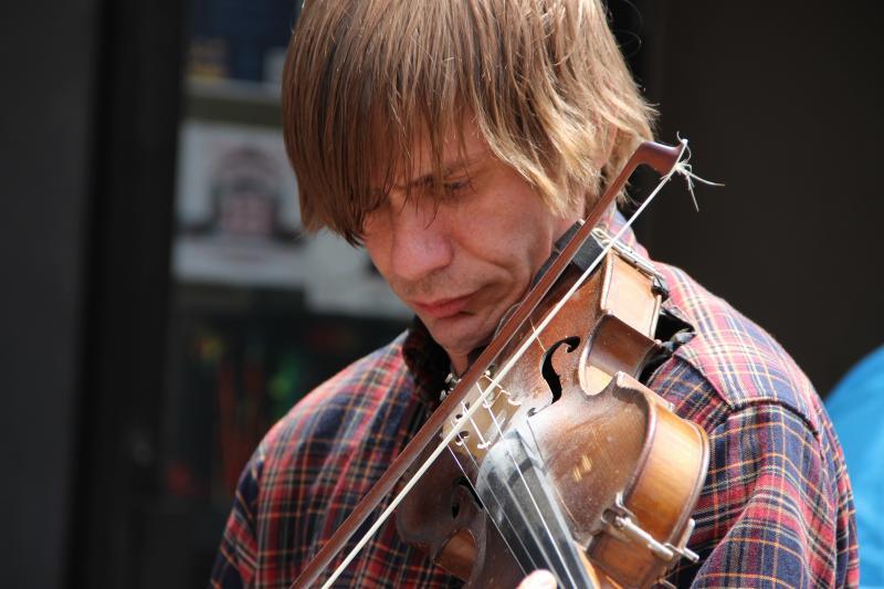 Jacob Stern, fiddler for the Crunchy Western Boys.