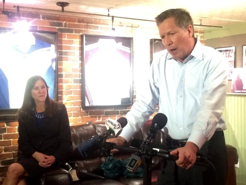 Gov. John Kasich stopped at The Barley House in Concord during his one-day visit to the Granite State.