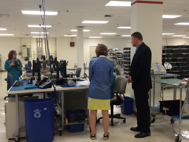 Carly Fiorina takes a tour of the facility with COO David Patterson.
