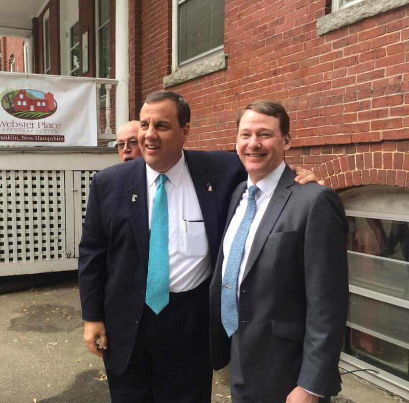 Gov. Chris Christie talks with Franklin Mayor Ken Merrifield at the Webster Place.