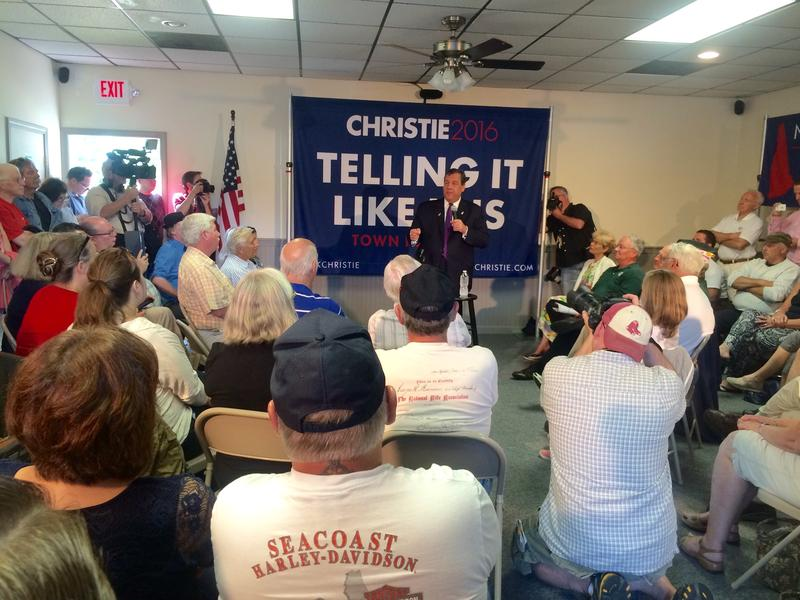 Christie took nearly a dozen questions from the crowd on issues such about college costs, veterans and gun control.