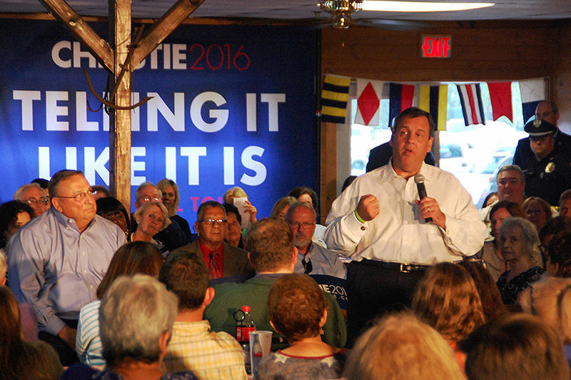New Jersey Governor Chris Christie (right) speaks at a town hall in Dover, September 14, 2015, with Maine Governor Paul LePage.