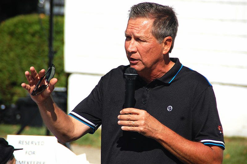 Ohio Governor John Kasich speaks in Stratham, September 12, 2015.