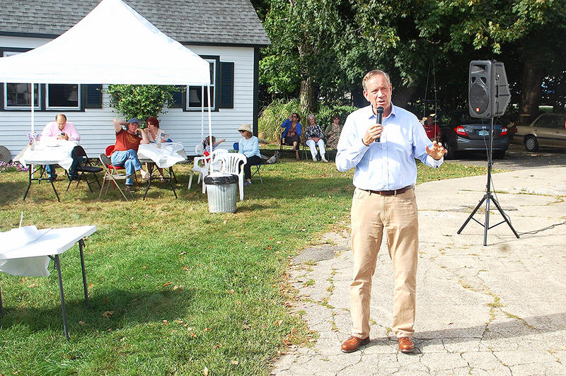 Former New York Governor George Pataki speaks in Stratham, September 12, 2015.