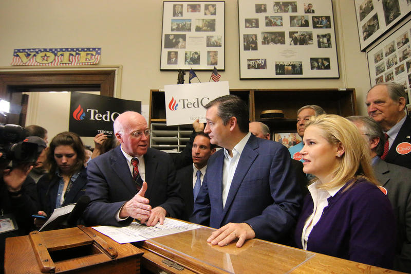 When filing Texas Sen. Ted Cruz and Bill Gardner talked about their shared passion for the Constitution.