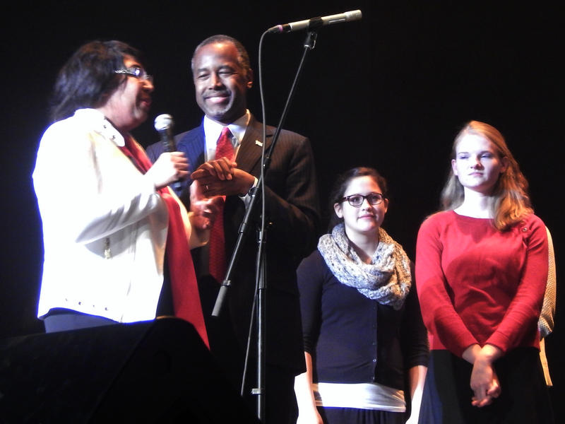 """Ben Carson and Candy Carson also joined all the performers at the end to sing """"Merry Christmas"""" on stage."""