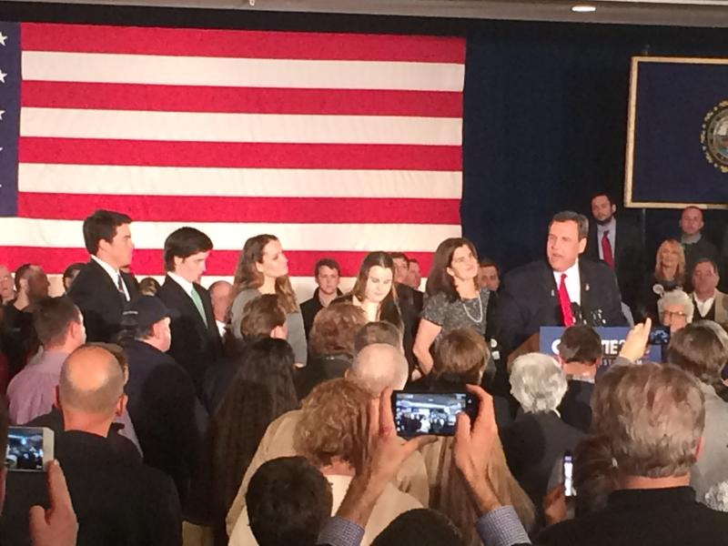 Chris Christie, alongside his wife and four children, tells N.H. supporters he is rethinking his presidential campaign.