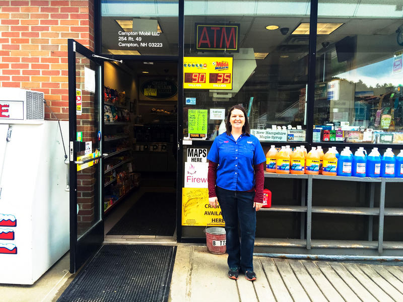 Leigh Montville, Cashier at the Campton Mobil