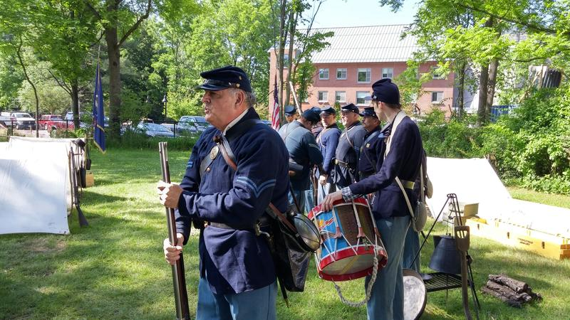Reenactors of the 6th New Hampshire Regiment demonstrate for the teachers.