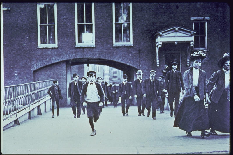 Workers leave Manchester's Amoskeag Mills in 1909.