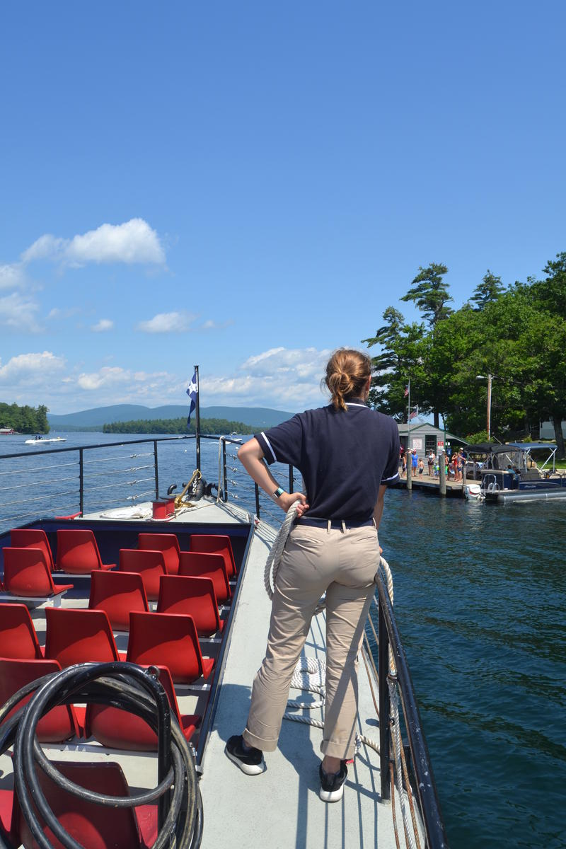 The deckhand Sam Saliba gears up to dock the Sophie C at Bear Island.