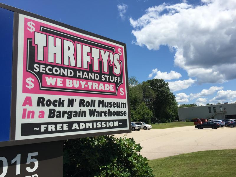The sign on Candia Road for Thrifty's Second Hand Stuff.