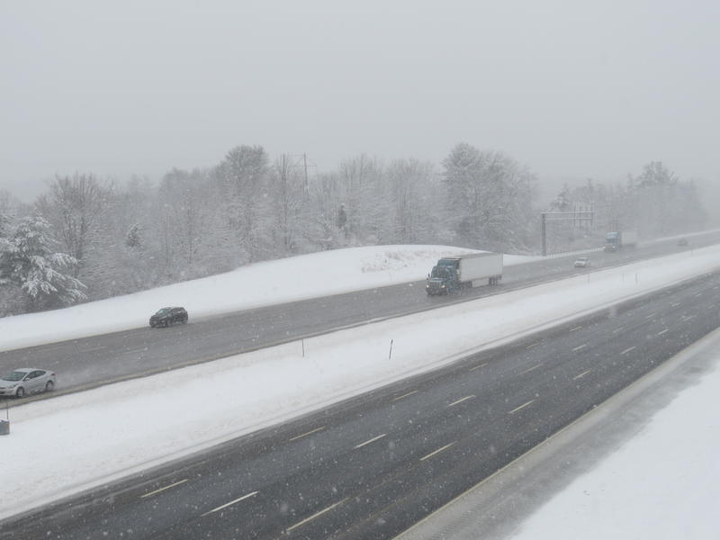 Snow caused for a slower commute on I-95 in North Hampton