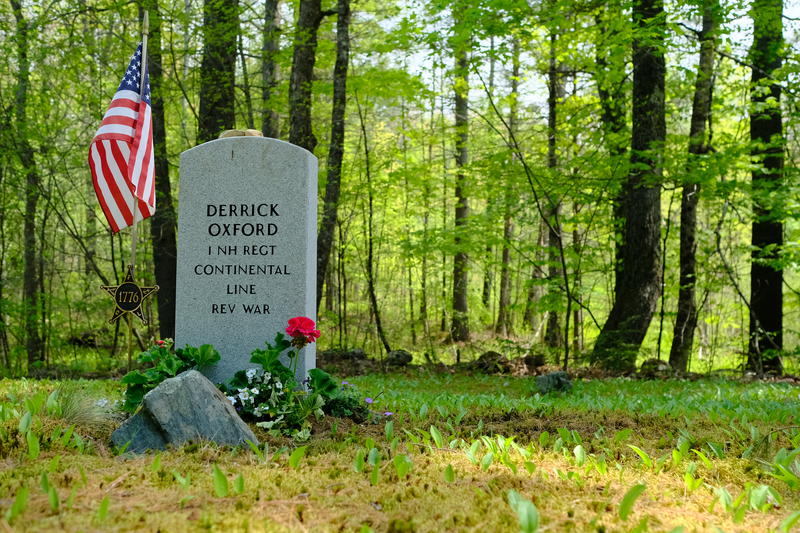 The grave of Derrick Oxford in Coryville Cemetery in Plainfield, NH.