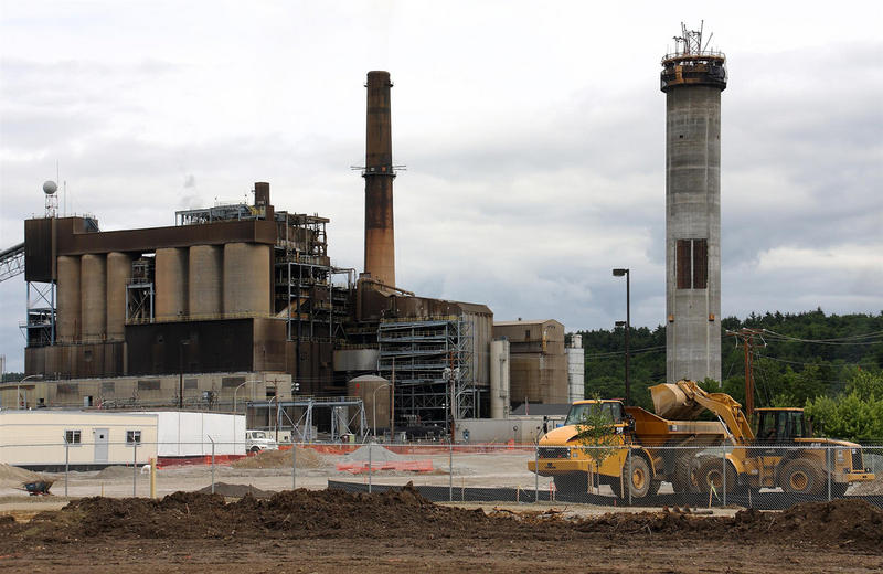 RGGI seeks to curb CO2 emissions from power plants.