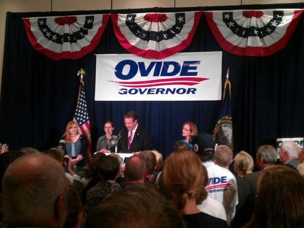 Lamontagne delivering his victory speech in Concord