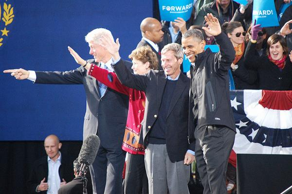 President Bill Clinton, Senator Jeanne Shaheen, Governor John Lynch and President Barack Obama wave to the crowd in downtown Concord