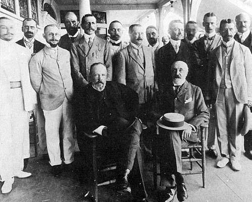 The Russian delegation at Wentworth-by-the-Sea with Vitte and Baron Rosen seated.