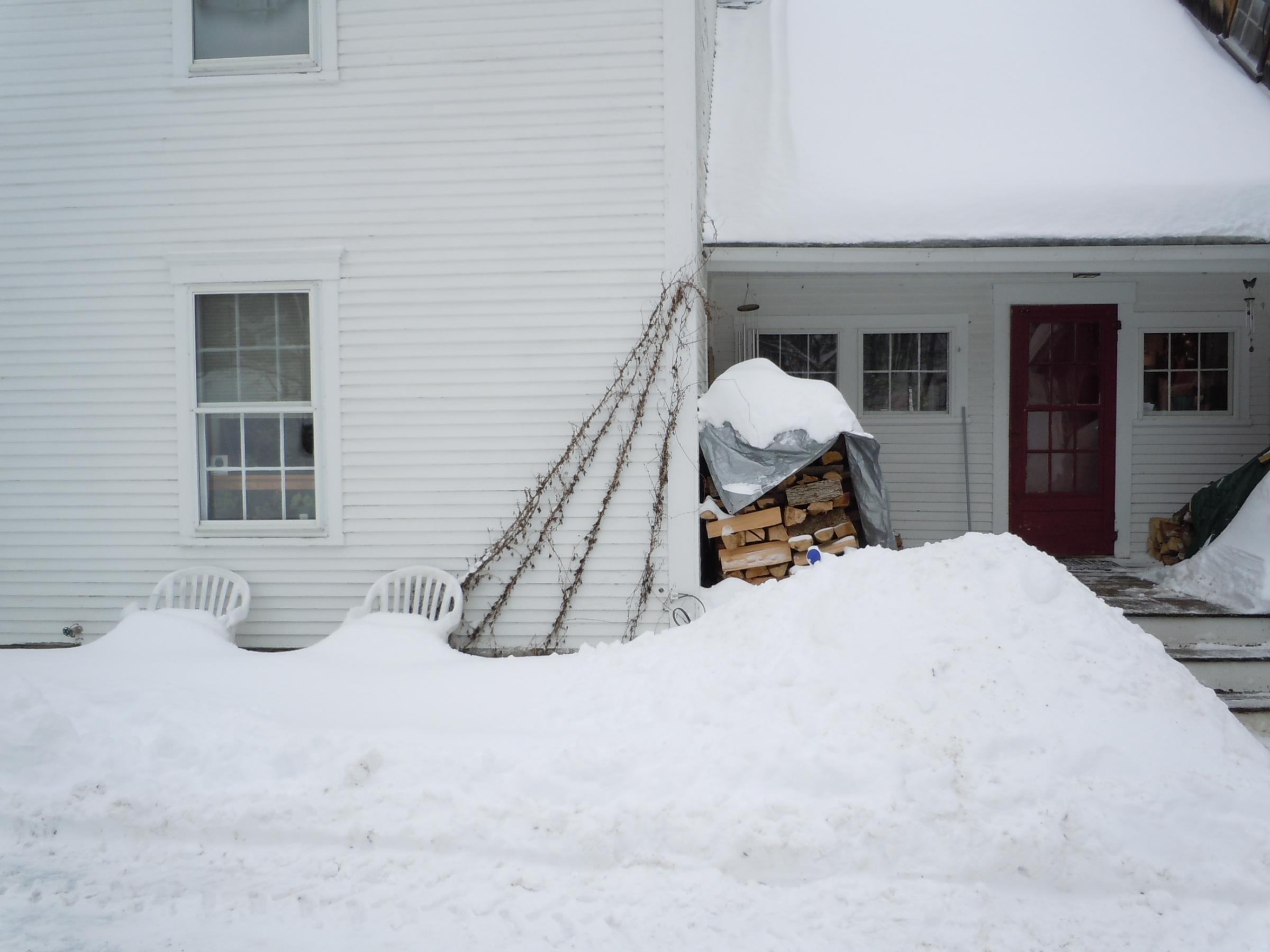 Cold River Furnitureu0027s Snow Covered Patio Furniture
