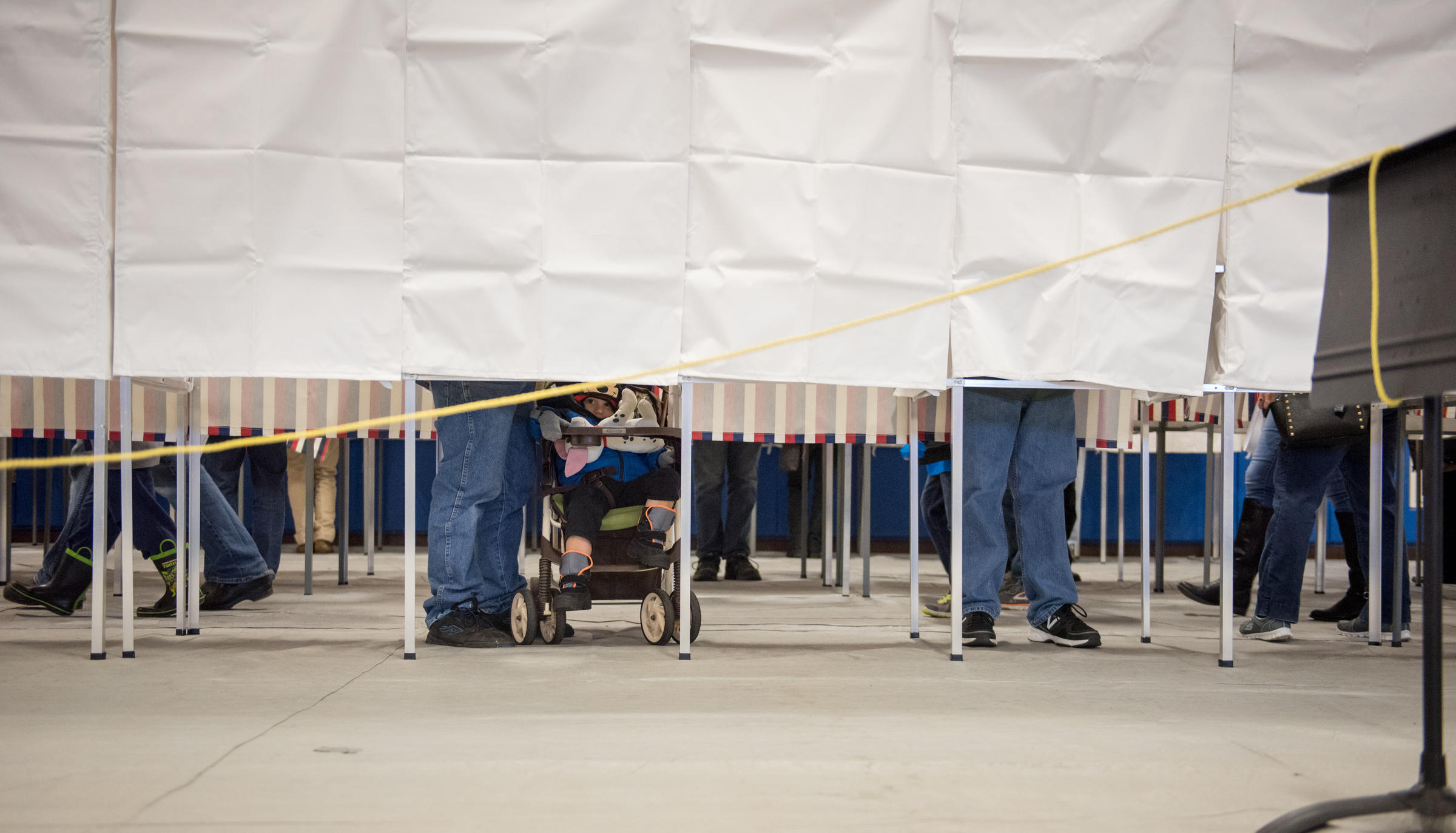 Tammy Duckworth elected to Senate, defeating Mark Kirk