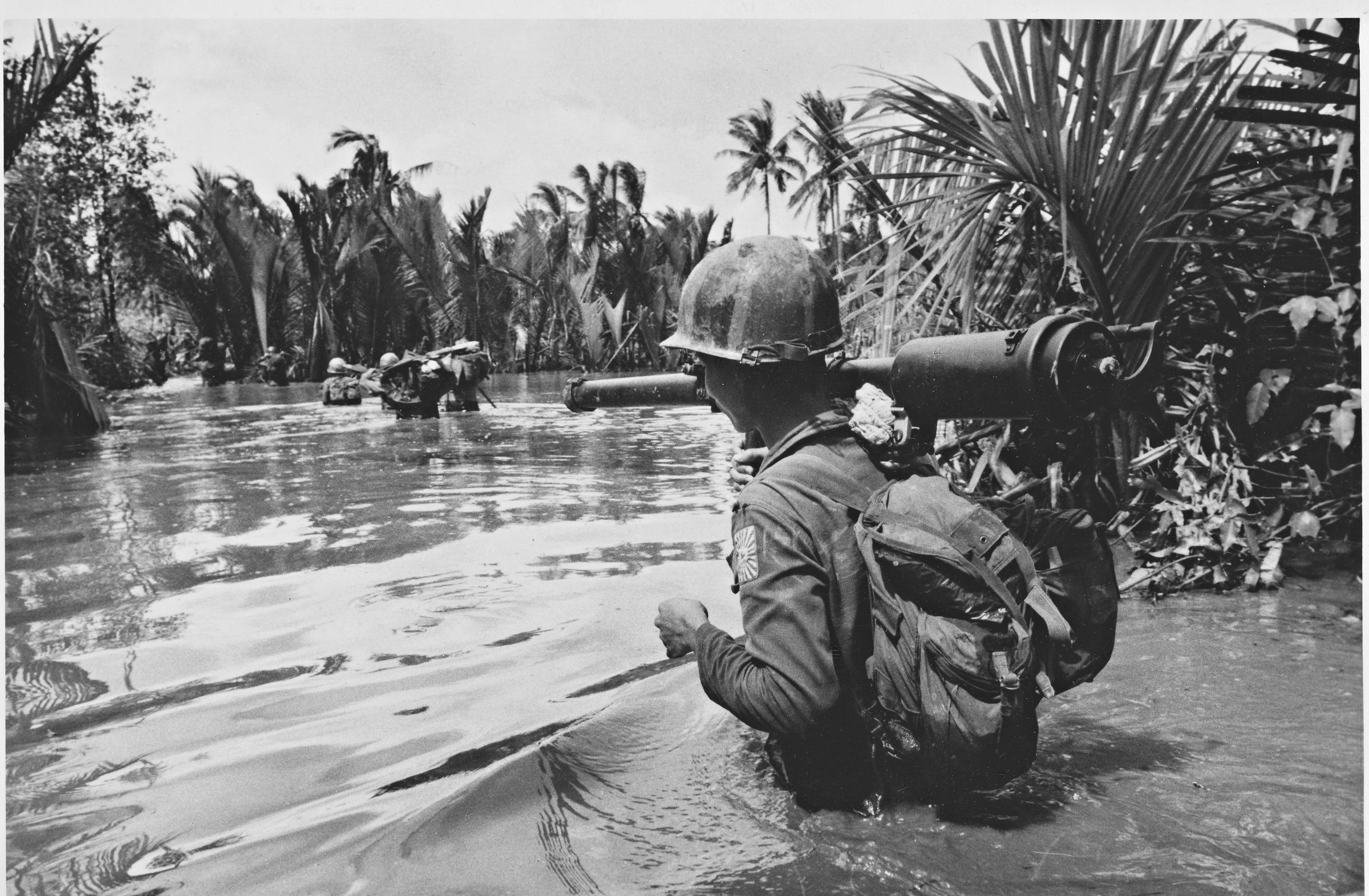 vietnam war the war option The vietnam war was supported by younger americans to a significantly higher degree than older americans and world war ii veterans d there was nearly universal support for the vietnam war among the american public.