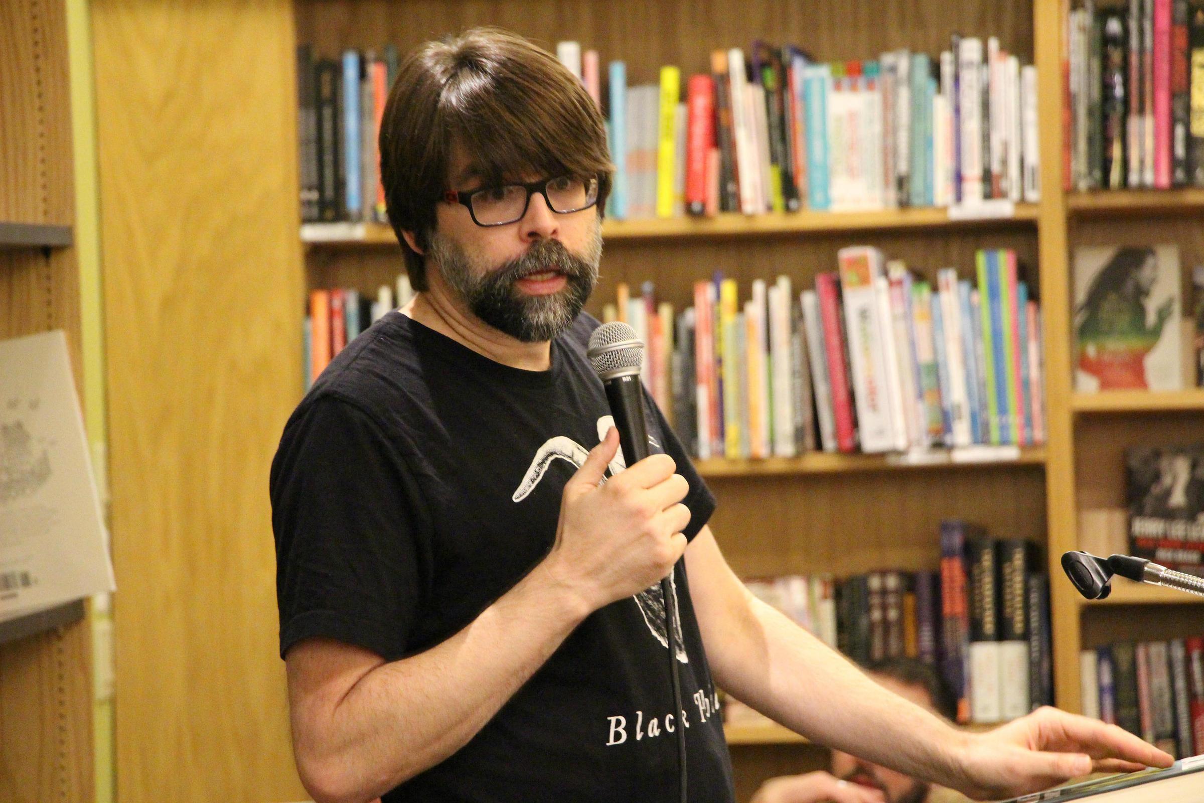 The Bookshelf: Joe Hill on Guns, Deadly Rain, and \'Strange Weather ...