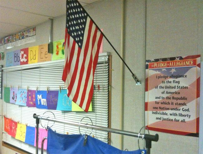 A bill in the Oregon House would require public schools to display a United States flag in each classroom and to have a teacher or student lead the pledge each school day.