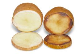 Simplot's comparison of an Innate potato (left) and a traditional potoato (right) 10 hours after being cut.