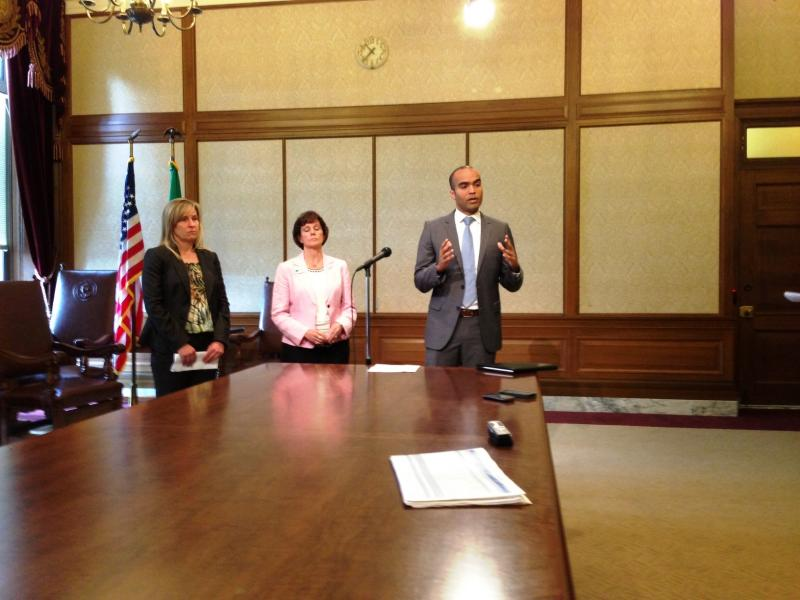 Members of Gov. Jay Inslee's staff brief reporters on what a July 1 government shut down would entail.