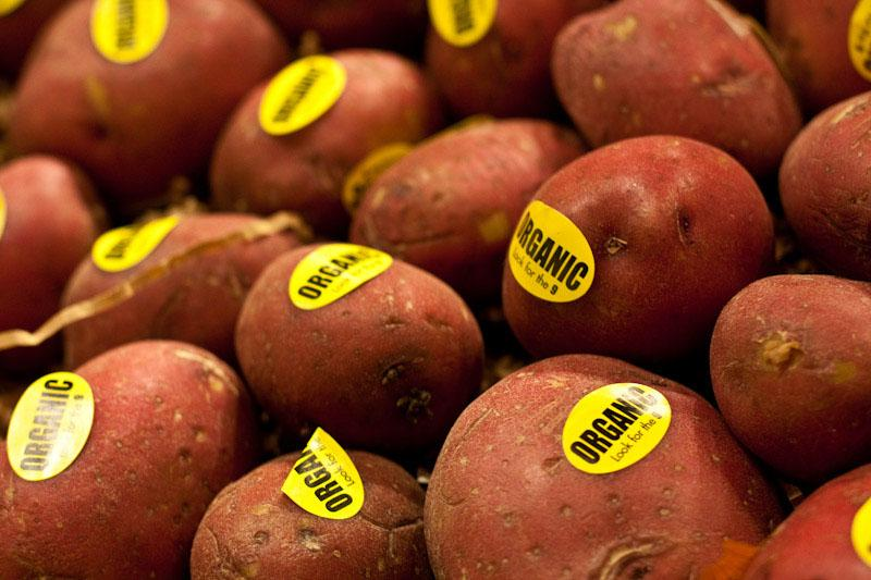Will foods with genetically engineered ingredients soon need labels?