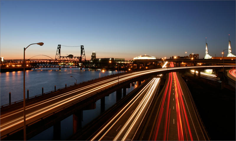 A committee has voted on recommendations for tolling on Interstate 5 through downtown Portland and I-205 at the Willamette River in Portland.