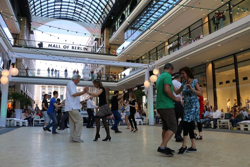 Dancers at a tango workshop in the Mall of Berlin. The former Wertheim Department Store hosts a variety of different dance workshops throughout the week.