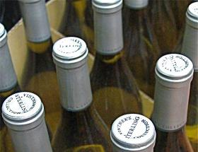 Northwest winemakers may be able to expand their customer base now that Amazon is shipping wine to more than a dozen states.