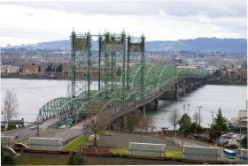 Oregon Governor John Kitzhaber says he's prepared to pull the plug on the Interstate 5 bridge replacement mega-project.