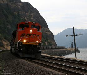 This proposal would transport coal by rail from Montana and Wyoming to Boardman in eastern Oregon.