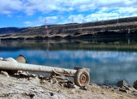 Many irrigation pipes don't reach the lowered Columbia River behind the cracked Wanapum Dam.