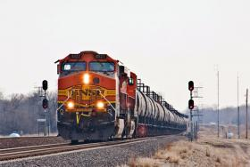 A BNSF locomotive pulling a shipment of crude oil.