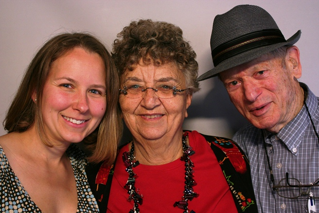 Dorothy and Art Oberto, with their granddaugher, Cindy
