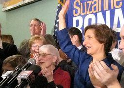 Suzanne Bonamici thanks her supporters after her win in the 1st District.