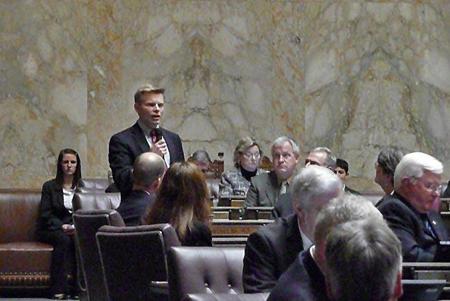 Washington state Rep. Jamie Pedersen speaks on the House floor.